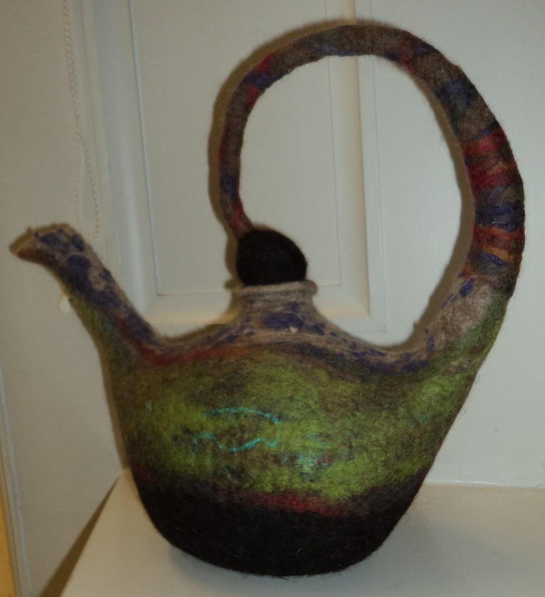 Mat-Hatter-Teapot-by-Kay-McKenna